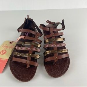 Women's Piping Hot Brown Gladiator Back Zip Buckle Stud Flat Sandal Shoes Size 8